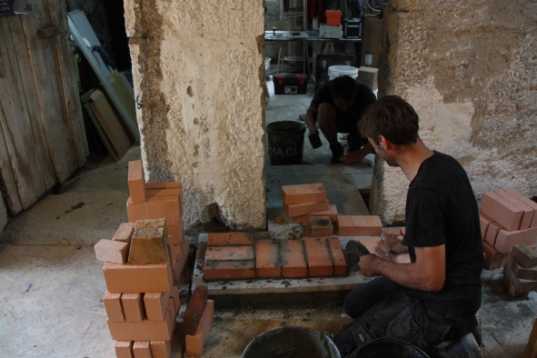 Zomer 2017: start bouw leemkachel