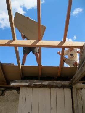 Zomer '14: dakplaten leggen