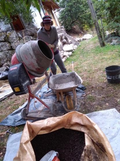 Cement draaien met kurkkorrels